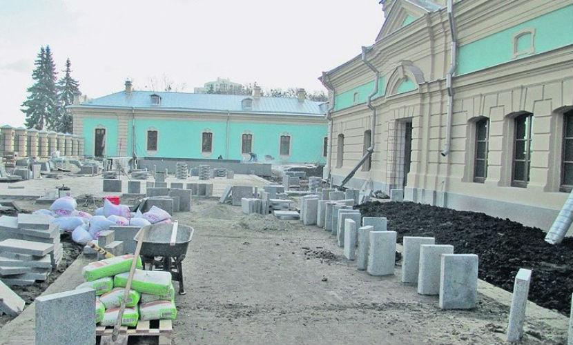 В резиденции Порошенко затеяли ремонт стоимостью свыше 600 млн рублей