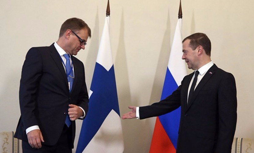 Финский коллега Медведева на встрече в Петербурге поддержал санкции ЕС против России