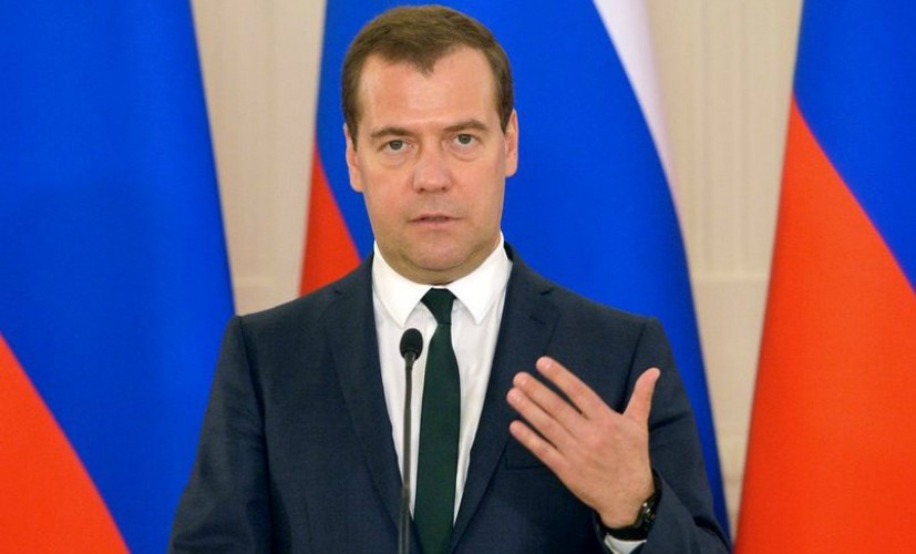 Медведев утвердил программу патриотического воспитания россиян