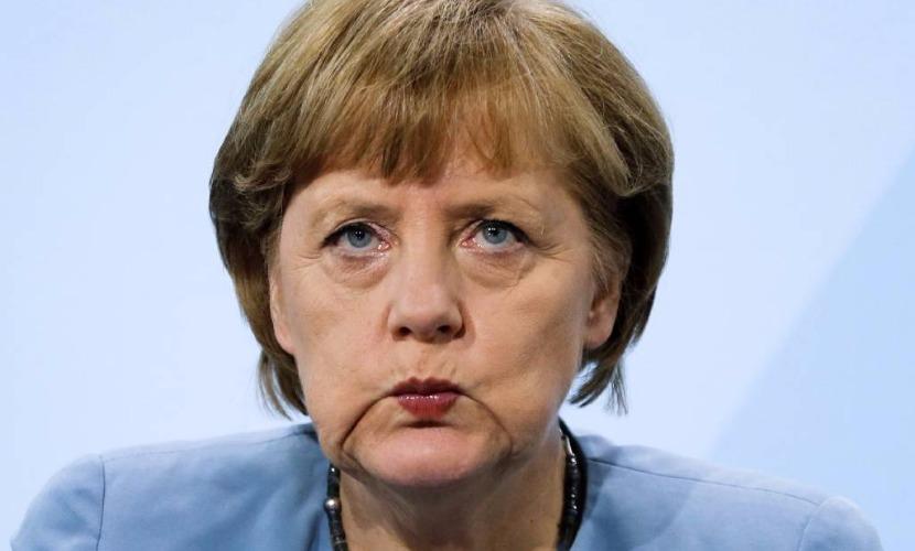 40 процентов немцев выразили желание, чтобы Меркель из-за беженцев ушла в отставку