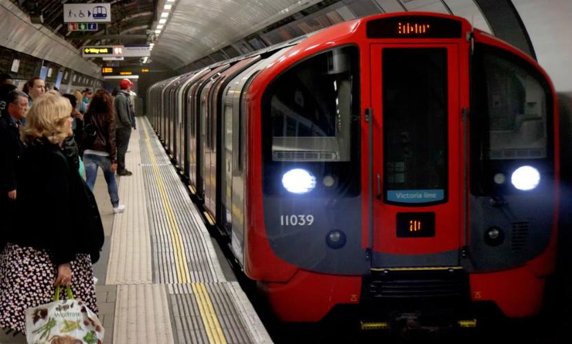 Сын мигрантов из Ирана толкнул под колеса поезда метро молодую немку