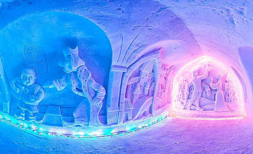 Чудесную зимнюю сказку из снега создали скульпторы в Мурманской области