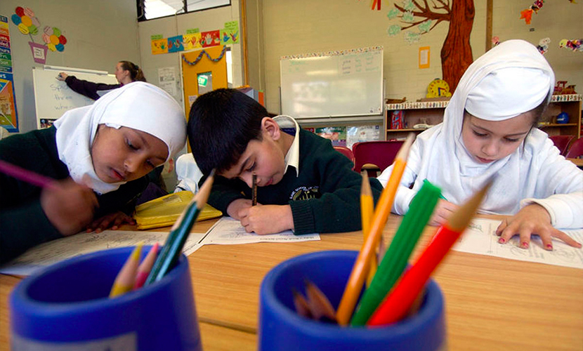 Британцы приняли 10-летнего мусульманина за террориста из-за грамматической ошибки