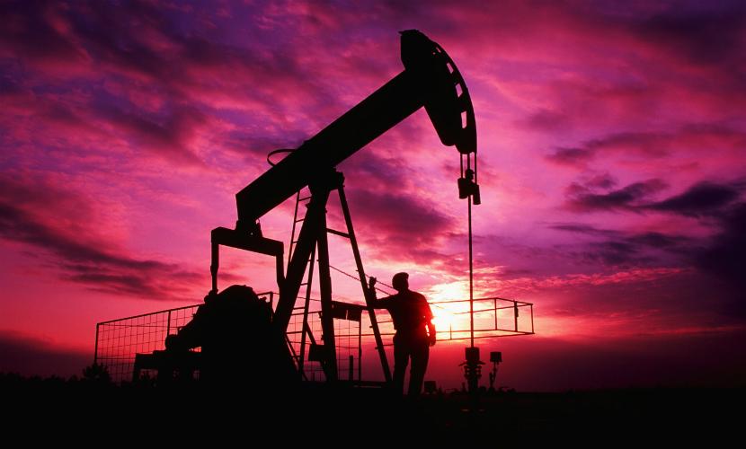 Впервые за 12 лет цена на нефть марки WTI упала ниже $30