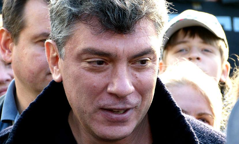 Борис Немцов после трех пуль начал подниматься, и тогда киллер его добил