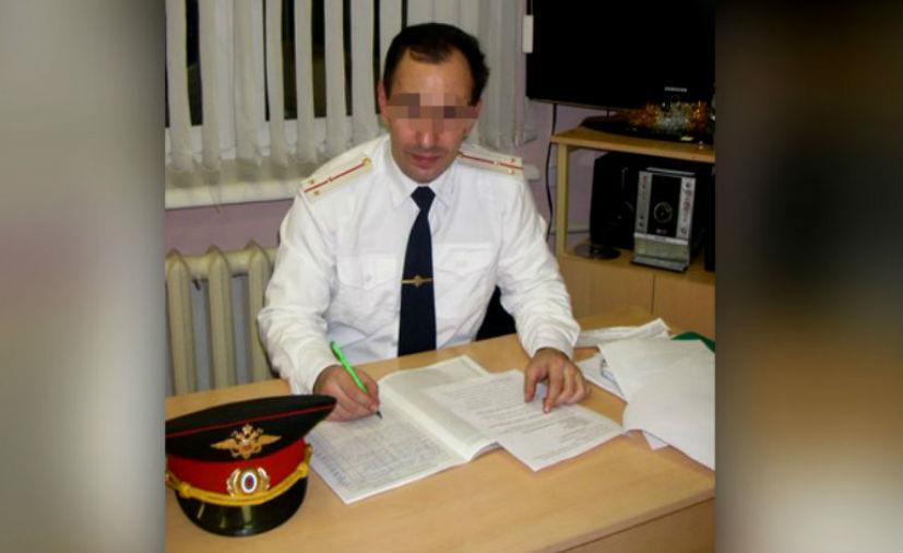 Преподавателя кадетского корпуса в Москве уволили за праздничные снимки в голом виде