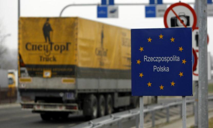 Автоперевозки между Россией и Польшей оказались под угрозой запрета