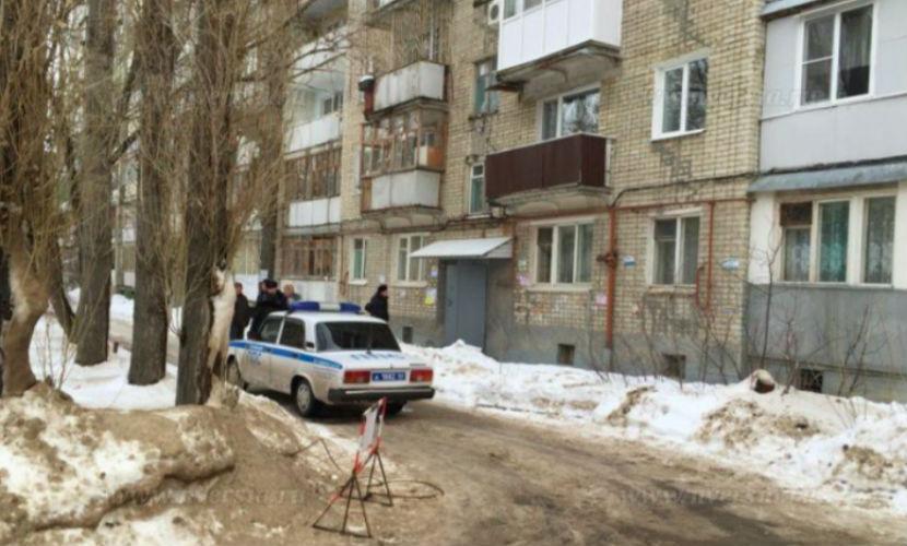 Женщина упала с пятого этажа жилого дома в Саратове