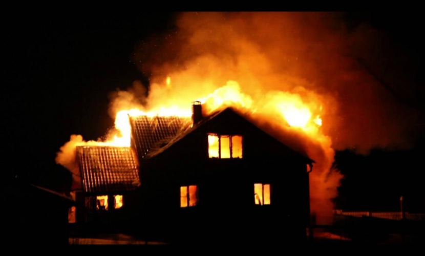 Женщина и двое мужчин погибли при пожаре в Хабаровском крае