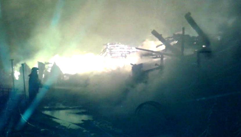 Число жертв на пожаре под Ярославлем увеличилось до шести