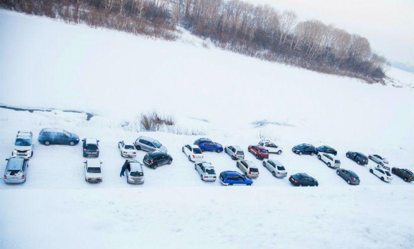 Для примирения с любимой житель Кемерово выложил слово «прости» из 30 авто