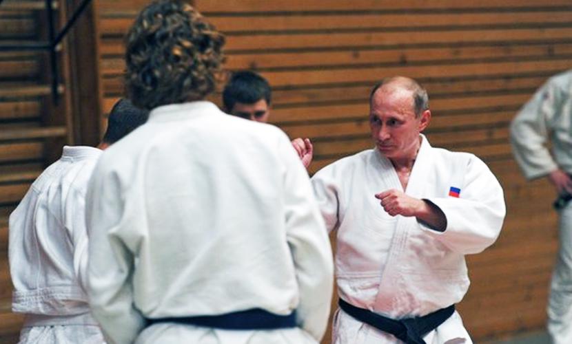Путин дал мастер-класс по дзюдо олимпийской сборной России