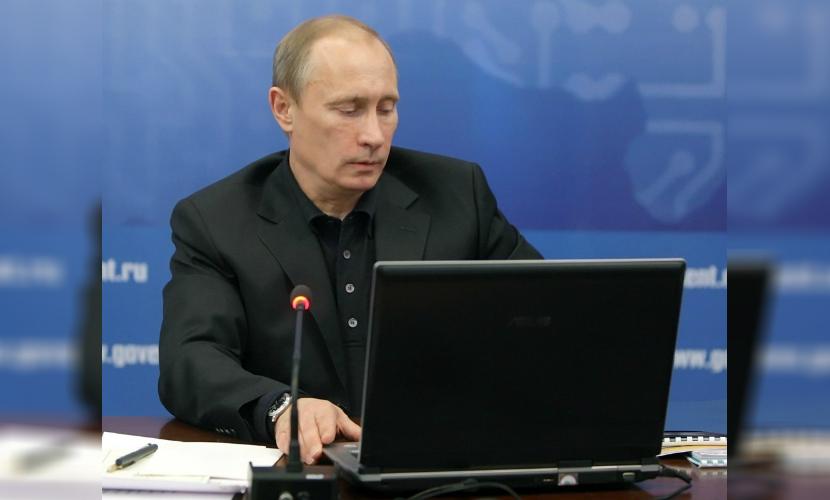 Путин приказал открыть единый интернет-портал образования