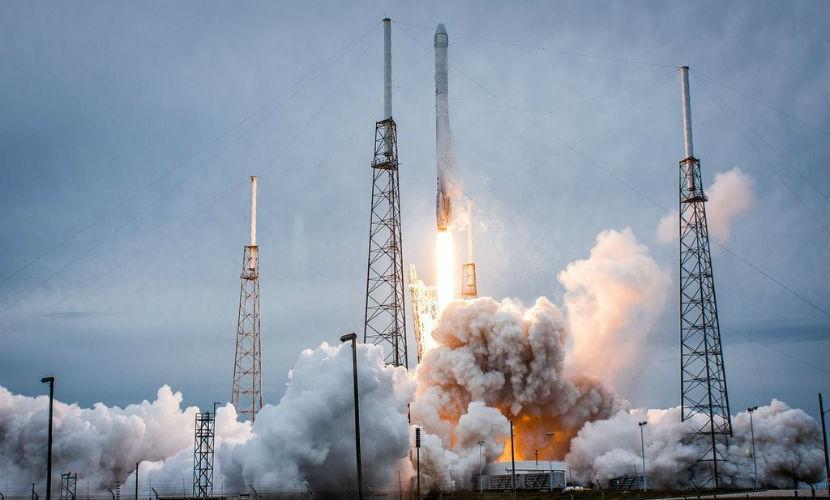 Глава компании SpaceX назвал причину крушения первой ступени ракеты Falcon