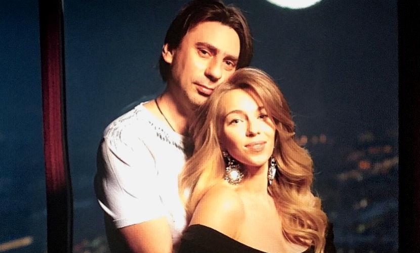 Жена известного телеведущего Романа Емельянова «весело» родила невероятную малышку