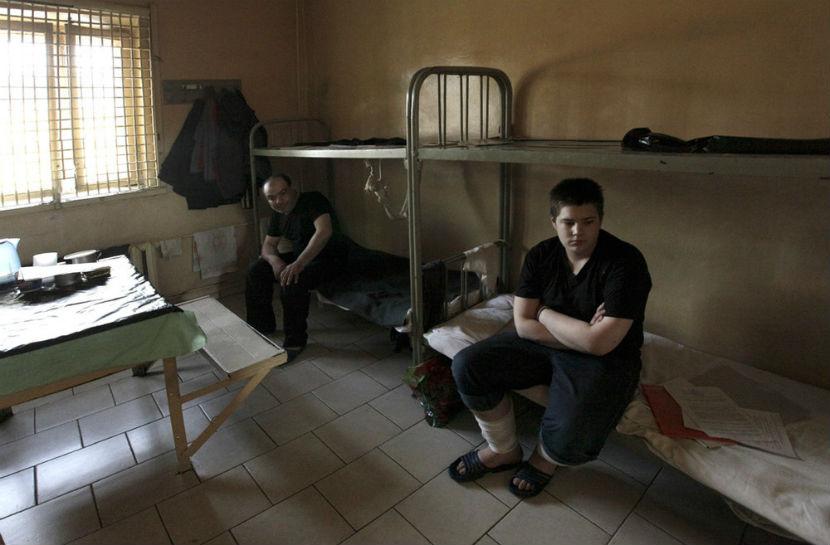 Новые правила разрешили обитателям СИЗО пользоваться гаджетами