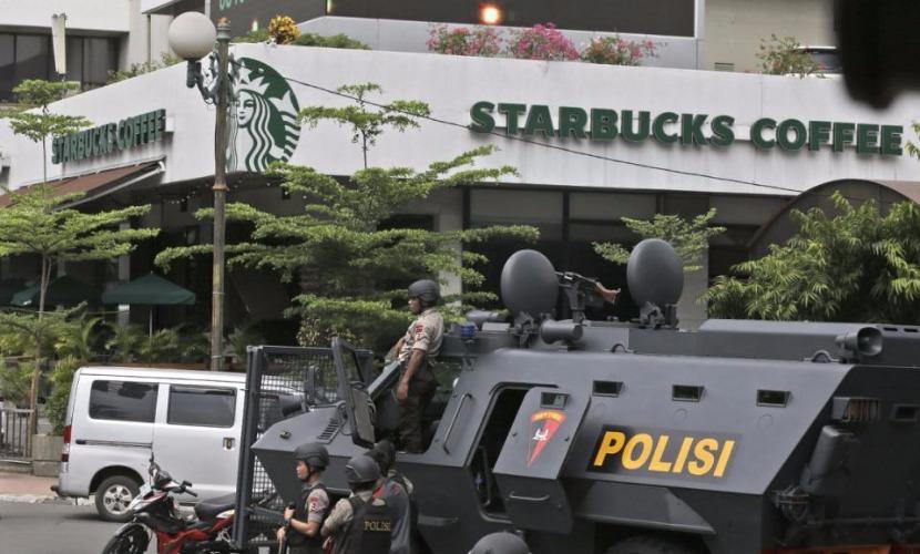 Боевики ДАИШ заявили, что это они вели охоту на иностранцев и полицейских в Джакарте