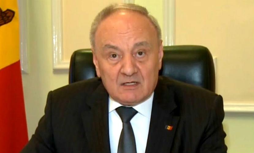 Президент Молдавии заявил о готовности умереть, но не позволить ворам захватить страну