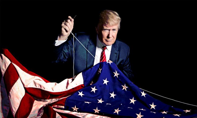 Американцы в небе написали оскорбительные лозунги в адрес Трампа