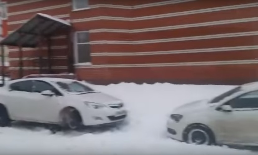 Бандиты запугали автовладельцев проколами шин и угрозами сжечь машины в Ульяновске