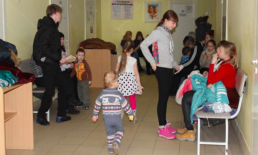 Детей до трех лет не принимают в поликлиниках Москвы из-за свиного гриппа