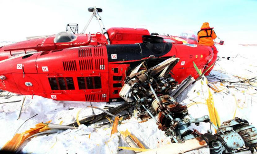 Австралийский пилот получил критические ранения после падения в ледниковую трещину