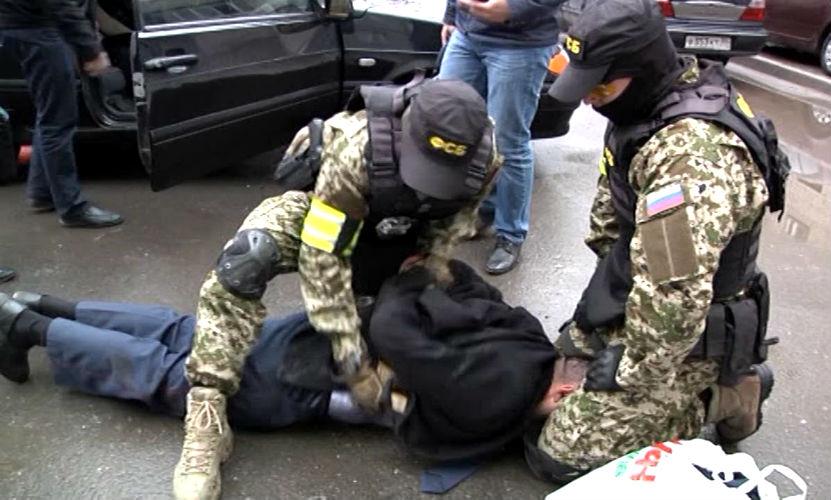 Три девушки и двое юношей готовили взрыв в Ростовской области