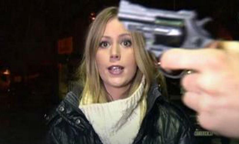 Сербская журналистка подверглась угрозе оружием в прямом эфире
