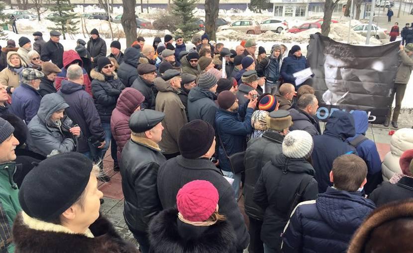 На акциях памяти Немцова произошли первые задержания