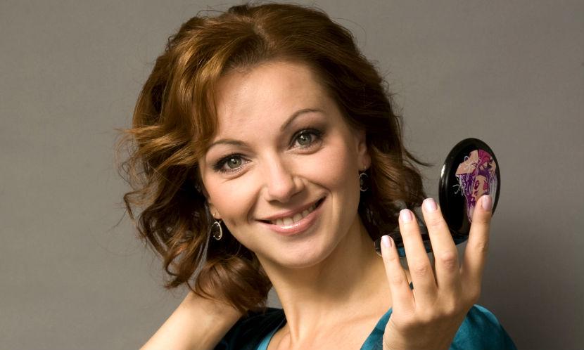 Календарь: 22 февраля - Красавица Ольга Будина отмечает день рождения