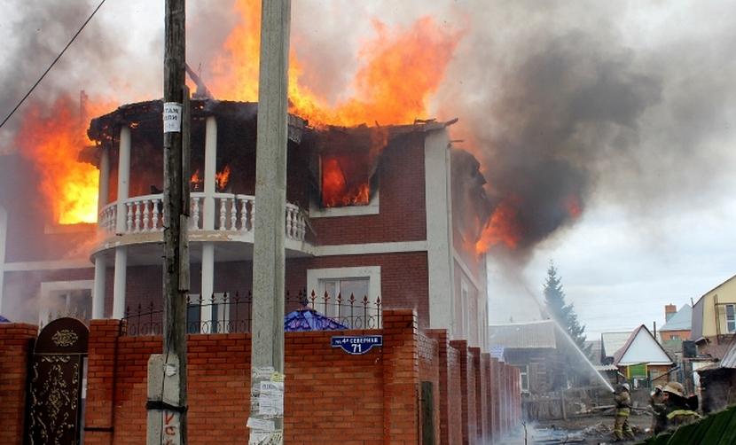 Двое мужчин сгорели заживо в Омске