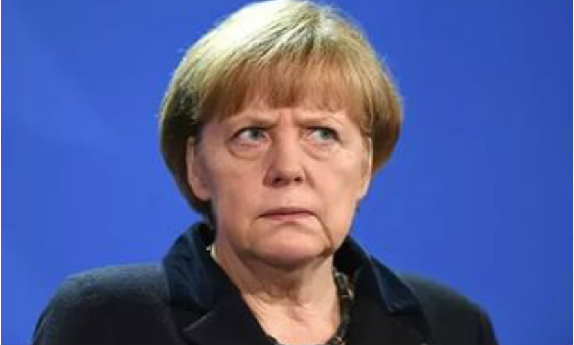 В Германии над Меркель уже откровенно смеются, - эксперт