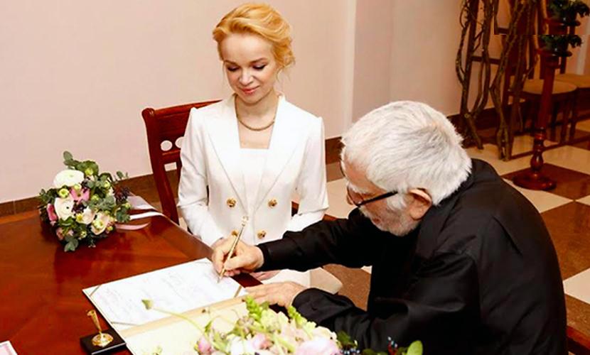 Свадьбу Джигарханяна с молодой блондинкой едва не сорвала болезнь рекордсмена