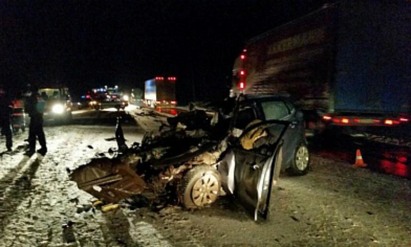 Три человека погибли при столкновении 6 автомобилей под Череповцом