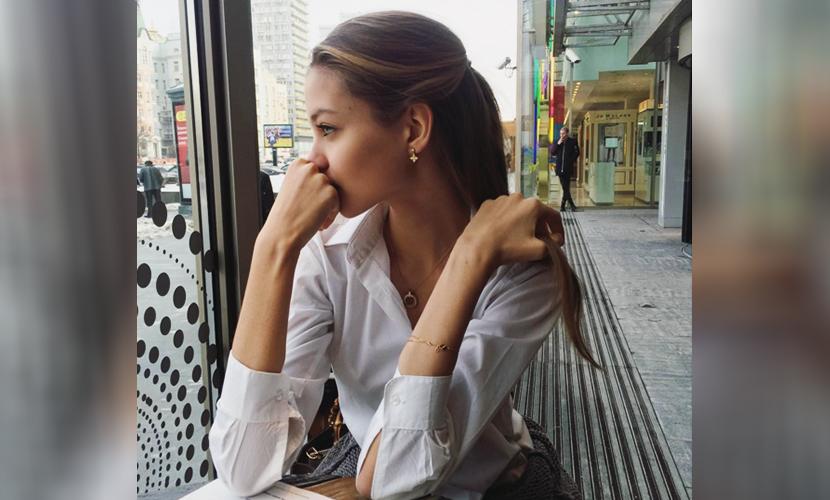 """На странице девушки в Instagram начали появляться меланхоличные """"одинокие"""" фото"""