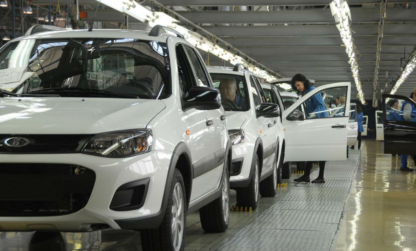 Подсчитана реальная цена российских автомобилей Lada
