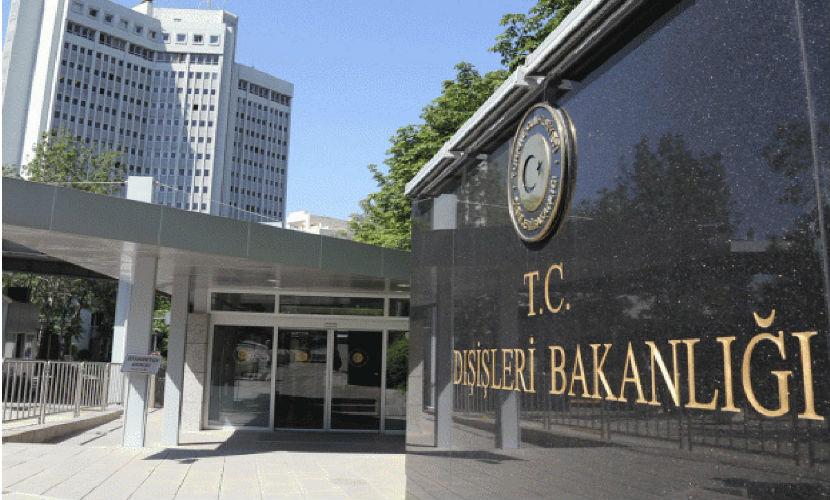 Турция выразила возмущение требованием США прекратить бомбить курдов в Сирии