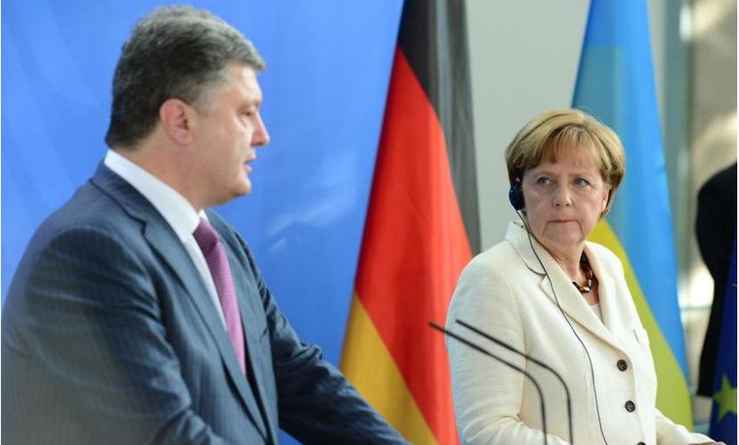 Меркель выразила озабоченность ситуацией на линии разграничения в Донбассе