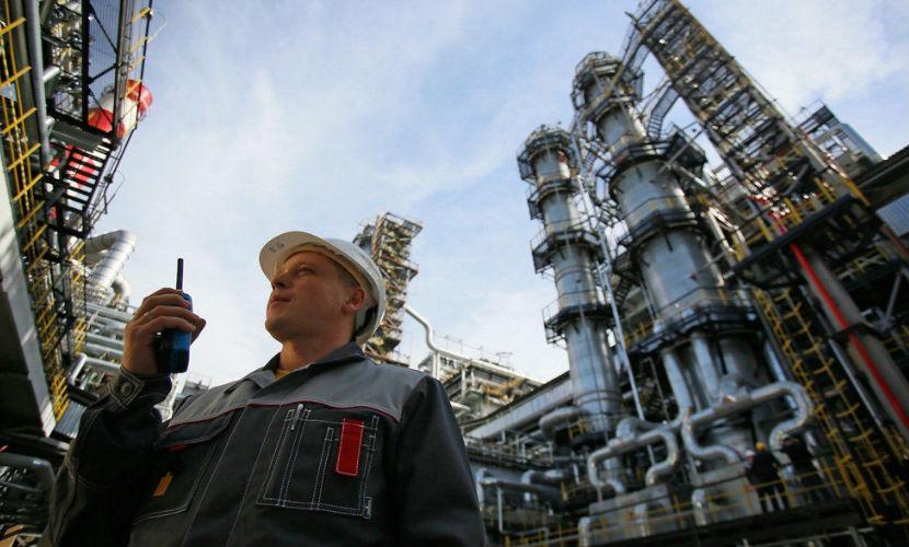 России необходимо заменить экспорт сырой нефти на продажу бензина, - эксперт