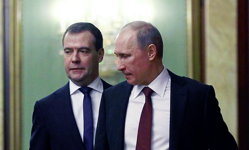 В Кремле объяснили, как Путин и Медведев одновременно пропали из России
