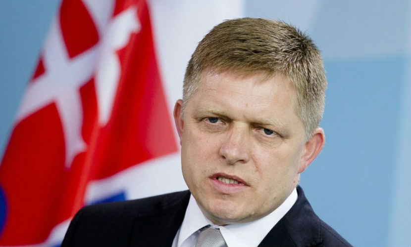 Премьер Словакии назвал антироссийские санкции нонсенсом и призвал снять их