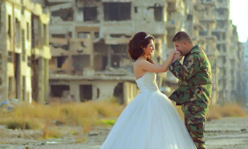 Сирийский фотограф опубликовал снимки свадьбы на руинах Хомса