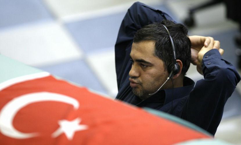 Инвесторы распродают активы и бегут из Турции