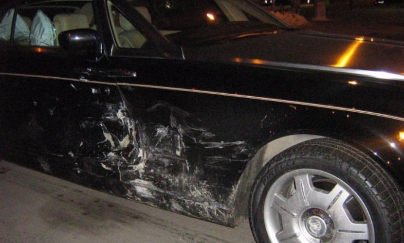 ВАЗ проехал на красный свет и протаранил Rolls-Royce Phantom за 20 млн рублей в Челябинске