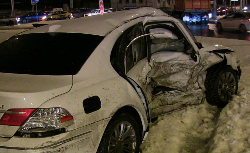 В кошмарном ДТП на востоке Москвы погибли два человека