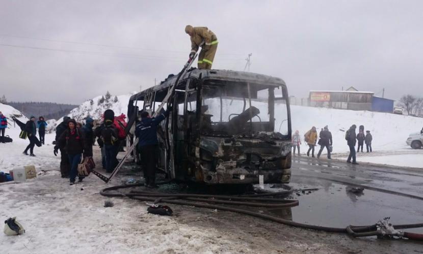 Мирные жители стали жертвами подрыва автобуса на украинском КПП в Донбассе