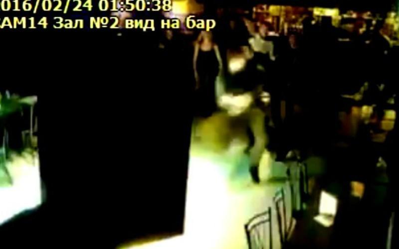 Массовой дракой в баре отметили жители Волгограда 23 февраля