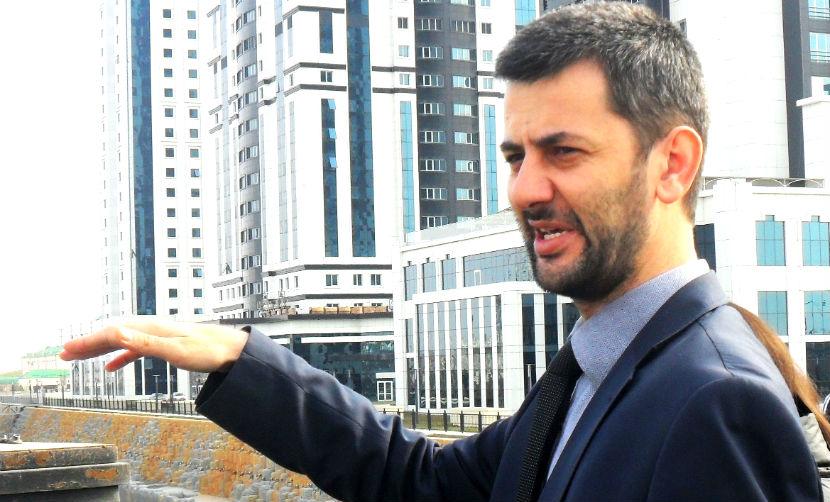Чеченский активист вызвал оппозиционера Яшина на дебаты в шашлычной