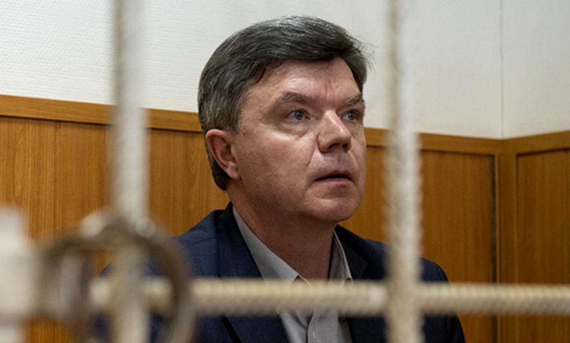 Председателя Думы Хабаровского края лишили поста по подозрению в хищениях