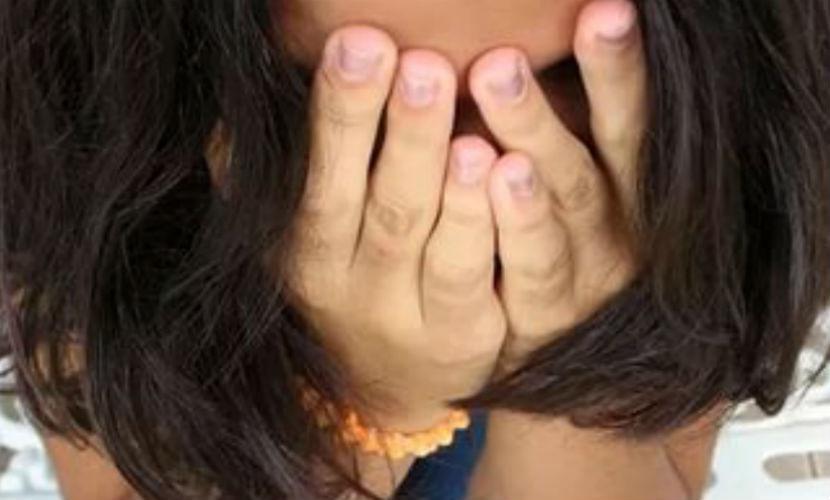 Получив отказ в сексе от знакомой, рецидивист изнасиловал школьницу